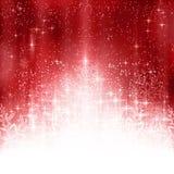 Fundo vermelho do White Christmas com luzes e flocos de neve Imagens de Stock
