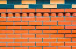 Fundo vermelho ou alaranjado pálido da parede de tijolo do silicato do areia-cal fotos de stock