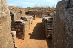Funebri del letti del dei del tomba del La, Populonia cerca de Piombino, Italia Foto de archivo libre de regalías