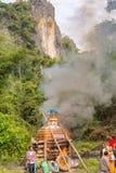 Funerale buddista alla campagna nel Laos fotografia stock