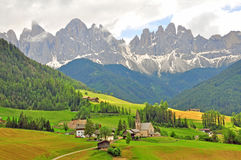 Funes, Bolzano Verbazend landschap in Dolomiet Stock Afbeeldingen