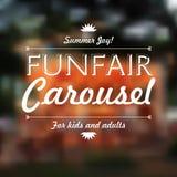 Funfair-Karusselltext, Sommerfreude, über defocused Hintergrund, VE stockfoto
