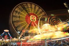 Funfair na noite Imagens de Stock Royalty Free