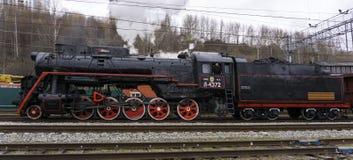 Fungera sovjetisk grupp L ångalokomotiv Arkivfoton