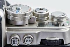 Fungerande beståndsdelar: knappar och kontrollvisartavla på SLR kameran Arkivfoton