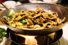 Funghi cinesi fritti scalpore fotografia stock libera da diritti