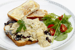 Fungo dell'uovo e pranzo dell'insalata Fotografia Stock