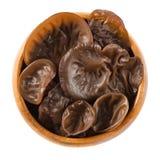 Fungo nero fresco, orecchio di legno, in ciotola di legno Immagini Stock Libere da Diritti