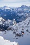 Funicolare alla cima del ghiacciaio di Marmolada Immagini Stock