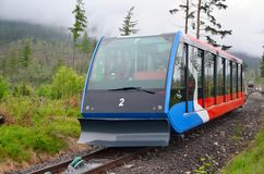Funicolare alle alte montagne di Tatras in Slovacchia immagini stock libere da diritti