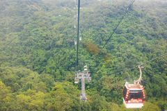 Funiculaire de gondole Gondole de Maokong Photographie stock libre de droits