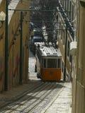 Funicular που ανεβαίνει την κλίση Στοκ φωτογραφίες με δικαίωμα ελεύθερης χρήσης