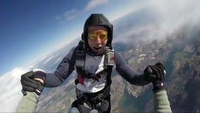 Funjumps que salta em queda livre de 12000 pés vídeos de arquivo