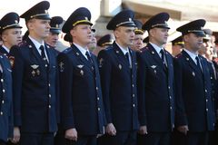 Funkcjonariuszi policji na stroevoj przeglądzie zdjęcia royalty free