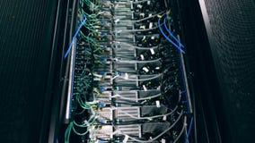 Funkcjonuje serwer jednostka w z drutami Nowo?ytny dane centrum zdjęcie wideo