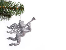 Funkeln-silbernes Engelsspielzeug auf Weihnachtsbaumzweig Stockfotos