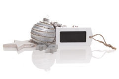 Funkeln-Weihnachtskugel mit Kennsatz lizenzfreie stockfotos