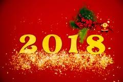 Funkelnde Dekorationen der 2018-guten Rutsch ins Neue Jahr-Hintergrundfeier-Karte rot Stockbild