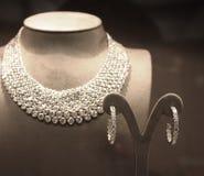 Funkelnde Diamant-Halskette Stockfotografie