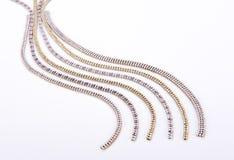 Funkelnde Perlen des Diamantschmucks Stockbilder