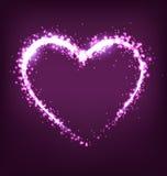 Funkelndes Herz auf Veilchen Stockfotos