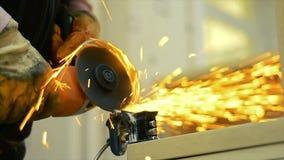 Funken auf Maschine stock video footage