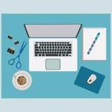 Funktions-Tabelle mit Büroartikel-Material Lizenzfreie Stockbilder