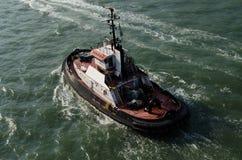 Funktionsduglig bogserbåt Arkivfoto