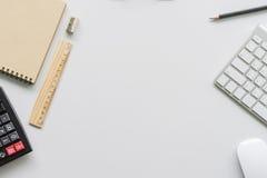 Funktionsduglig skrivbords- begreppsidé Arkivfoto