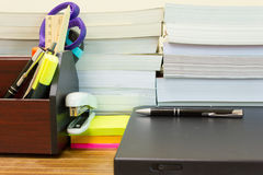 Funktionsdugligt skrivbord Fotografering för Bildbyråer