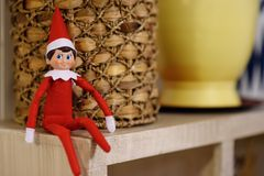 Free Funny Christmas Toy Elf On Shelf Royalty Free Stock Images - 131196499