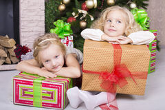 Funny kids with Christmas gift Royalty Free Stock Images