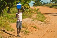 Funzionamento africano del bambino Fotografie Stock Libere da Diritti