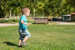 Funzionamento del bambino Fotografia Stock Libera da Diritti