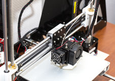 funzionamento del meccanismo della stampante 3d Immagini Stock Libere da Diritti