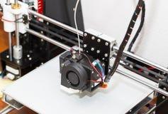 funzionamento del meccanismo della stampante 3d Fotografia Stock Libera da Diritti