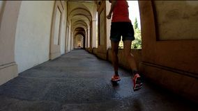 Funzionamento del portico del ` s di San Luca stock footage