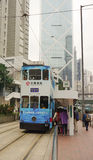 Funzionamento dell'autobus a due piani in Hong Kong Immagine Stock