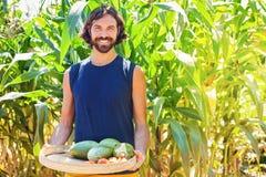 Funzionamento dell'uomo come agricoltore Immagine Stock