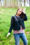 funzionamento della donna del giardino Fotografia Stock