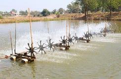 Funzionamento della turbina dell'acqua Immagine Stock