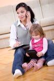 Funzionamento e parenting fotografia stock libera da diritti