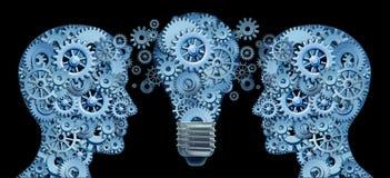 Funzionamento insieme in gruppo per innovazione Immagine Stock