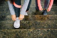 Funzionamento urbano e concetto all'aperto di allenamento di forma fisica Fotografia Stock Libera da Diritti