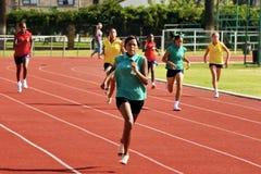 Funzionare femminile degli atleti Fotografia Stock Libera da Diritti
