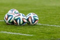 Funzionario la FIFA una palla di 2014 coppe del Mondo Fotografia Stock Libera da Diritti