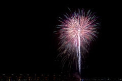 Fuochi d'artificio al quarto della celebrazione di luglio Fotografia Stock