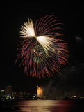 Fuochi d'artificio alla spiaggia di Pattaya, Tailandia Immagini Stock