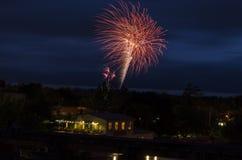 Fuochi d'artificio alle celebrazioni di giorno del Canada Fotografie Stock