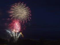 Fuochi d'artificio alle celebrazioni di giorno del Canada Immagine Stock